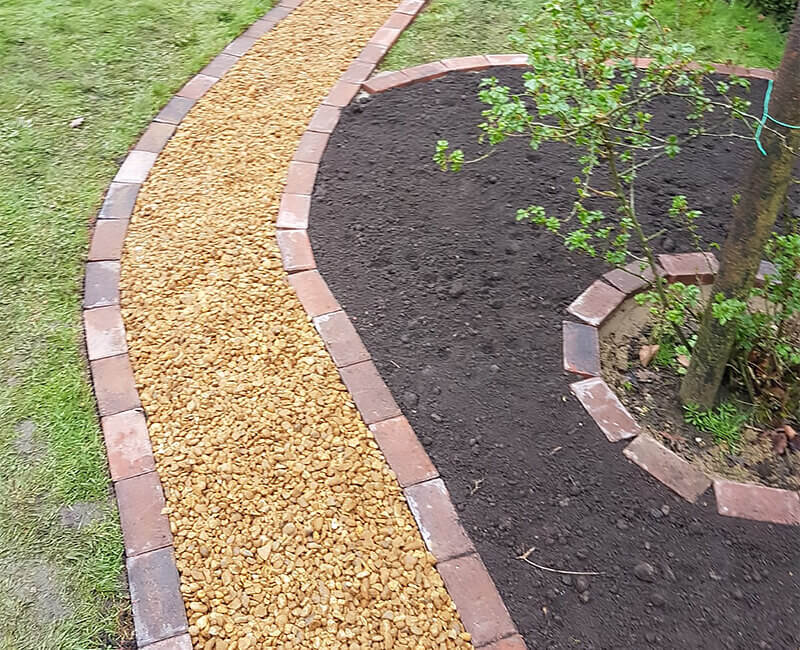 Landscape Gardening: Timber & Brick Edging