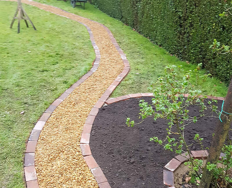 Landscape Gardening: Shingle & Gravel Footpaths & Driveways